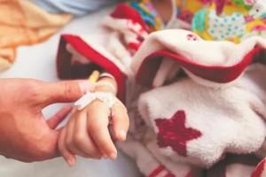 4岁女孩膀子酸痛一查竟是白血病关节痛发热遇到这些症状千万要留神