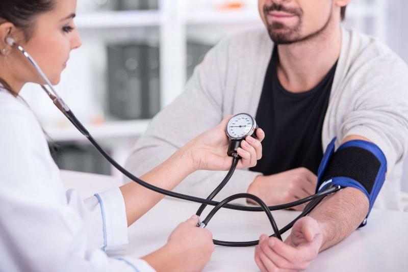 大笑可降血压顶尖医生给你25个健康建议
