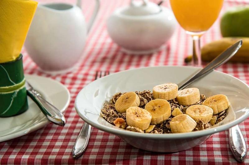 不吃早饭真的会得结石吗不按时吃早餐的危害有哪些